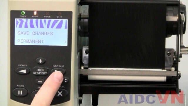 Màn hình của máy in mã vạch Zebra R110Xi4 600dpi