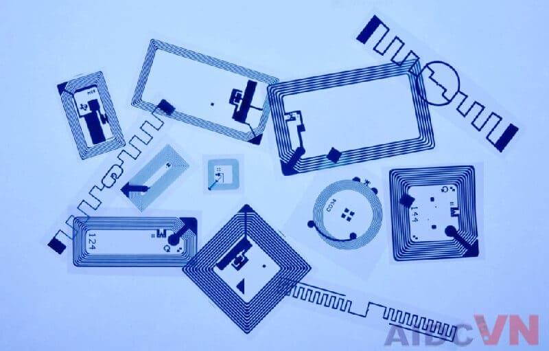 Tại sao RFID lại phổ biến trong bán lẻ?