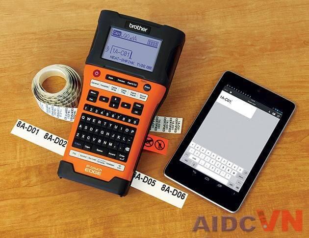 Máy in nhãn Brother PT-E500 (E500VP) có thể kết hợp với các thiết bị khác thông qua Bluetooth hoặc wifi